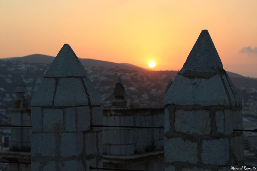 Sol en el atardecer de Peñíscola desde la fortaleza del Papa Luna