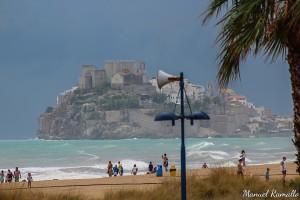 dia-de-lluvia-y-mal-tiempo-con-tormenta-en-peniscola-papa-luna-castillo-fortaleza