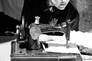 maquina-de-coser-singer-romeria-raigame-celanova-vilanova-dos-infantes-gallega-traje-regional-tradicional-costurera-modista