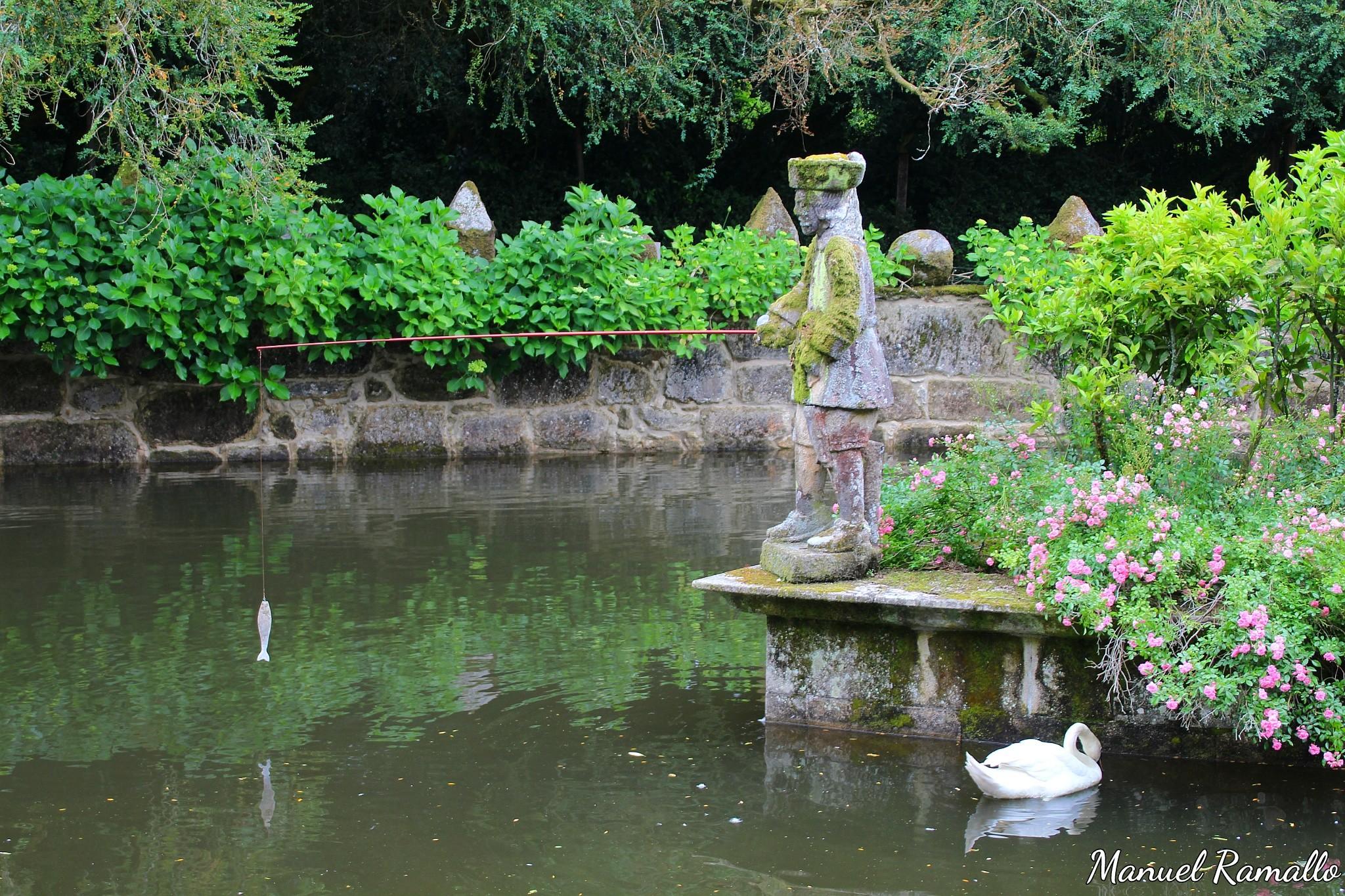 escultura-piedra-barca-estanque-pazo-oca-pontevedra