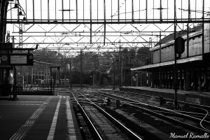 estacion-tren-haarlem-holanda-paises-bajos-blanco-y-negro-black-and-white