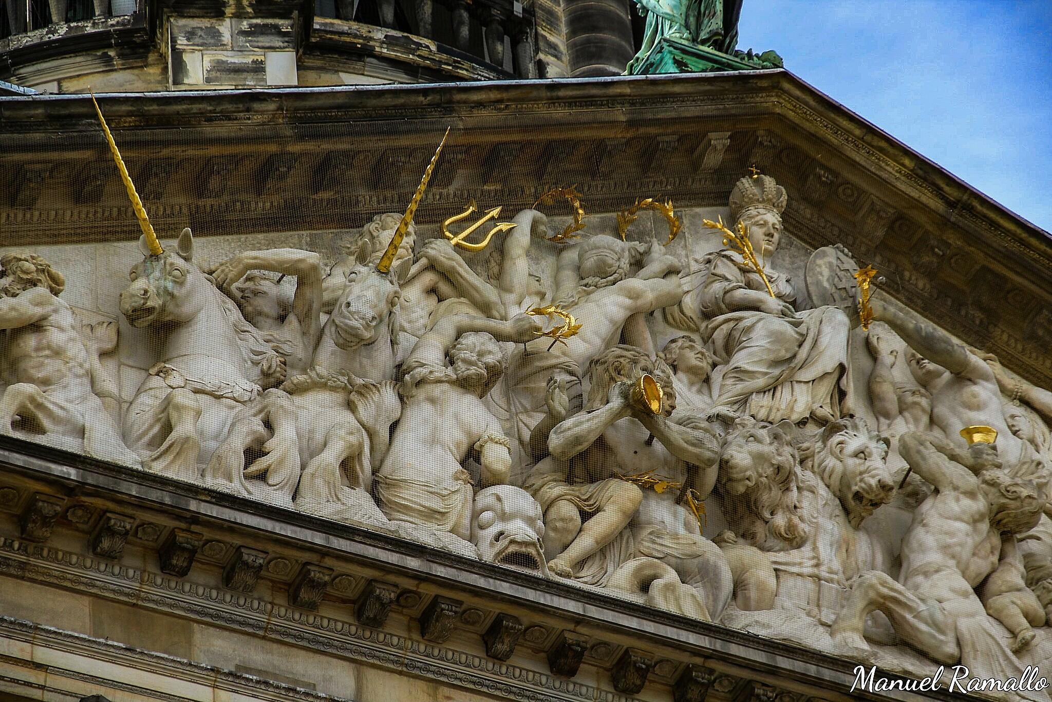 fachada-edificio-palacio-real-amsterdam-holanda-paises-bajos