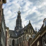 haarlem-holanda-torre-reloj-iglesia-paises-bajos