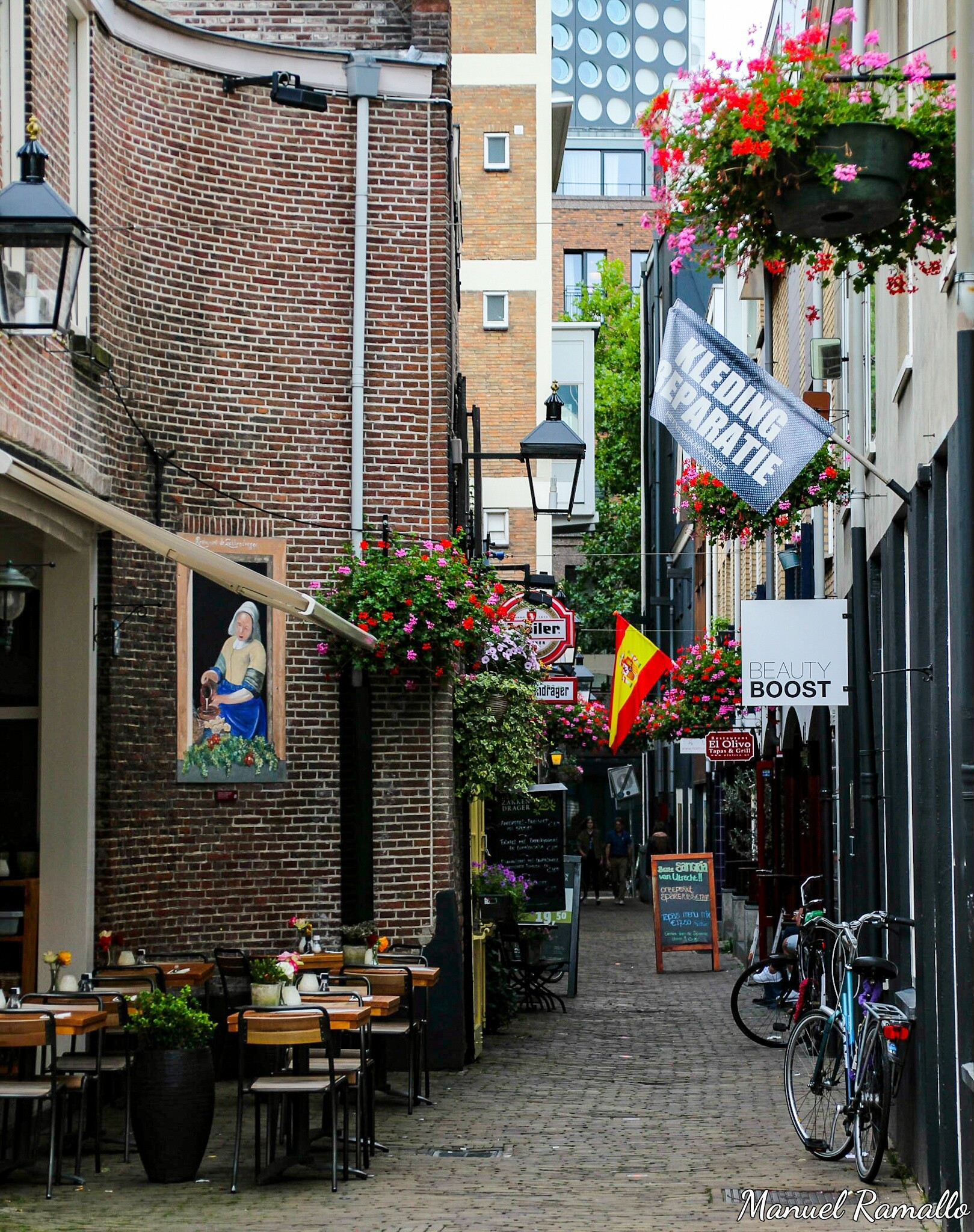 calle-utrecht-holanda-paises-bajos-restaurante-espanol