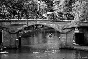 canal-utrecht-blanco-y-negro-holanda-paises-bajos