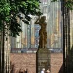 escultura-utrecht-iglesia-holanda-paises-bajos-color