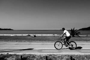 mirando-al-mar-sone-bicicleta-y-playa-playa-america-pontevedra