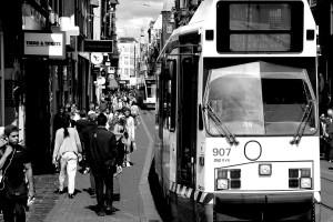 tranvia-calle-amsterdam-holanda-paises-bajos-blanco-y-negro