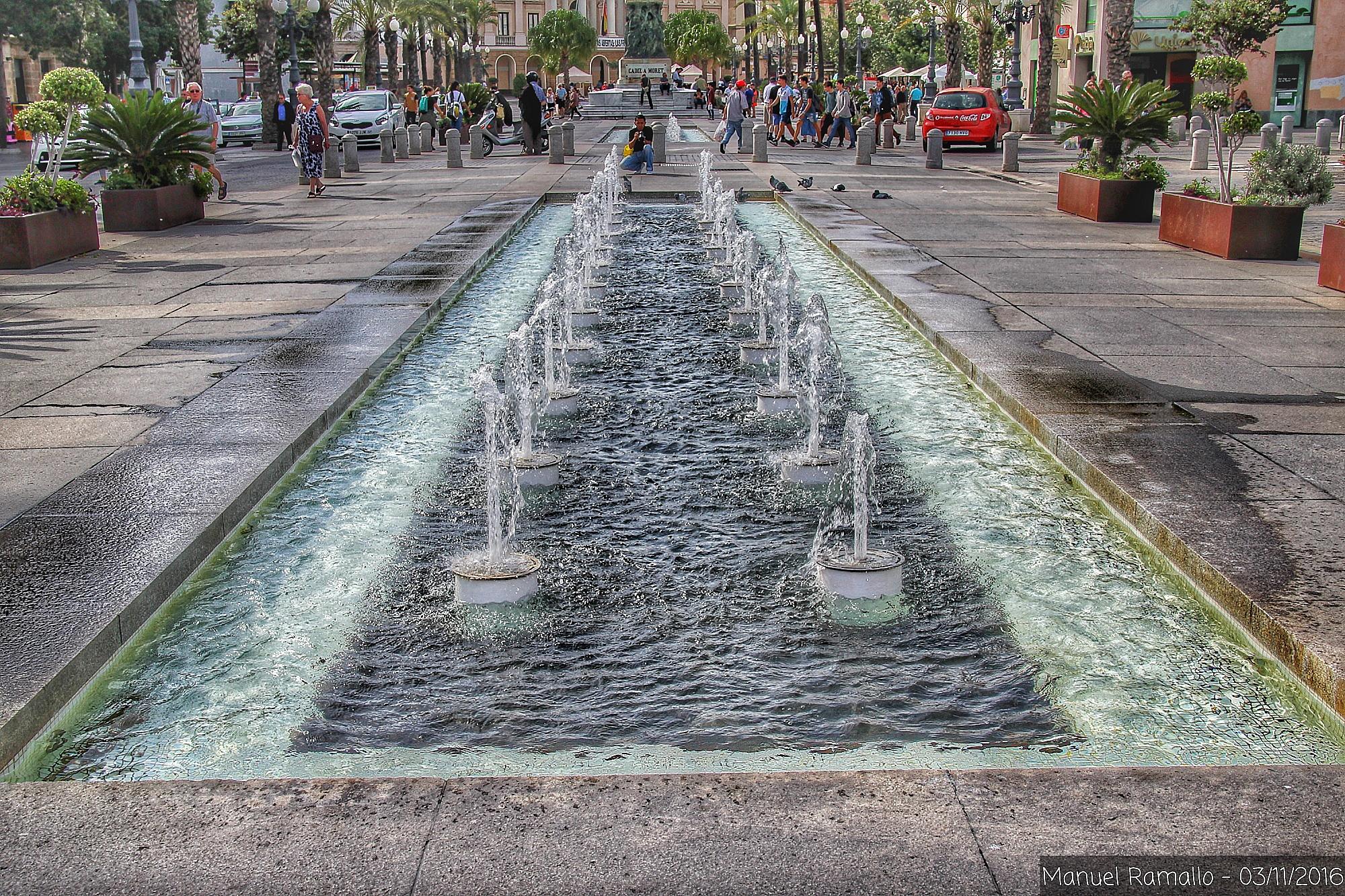 cadiz-fuente-plaza-ayuntamiento