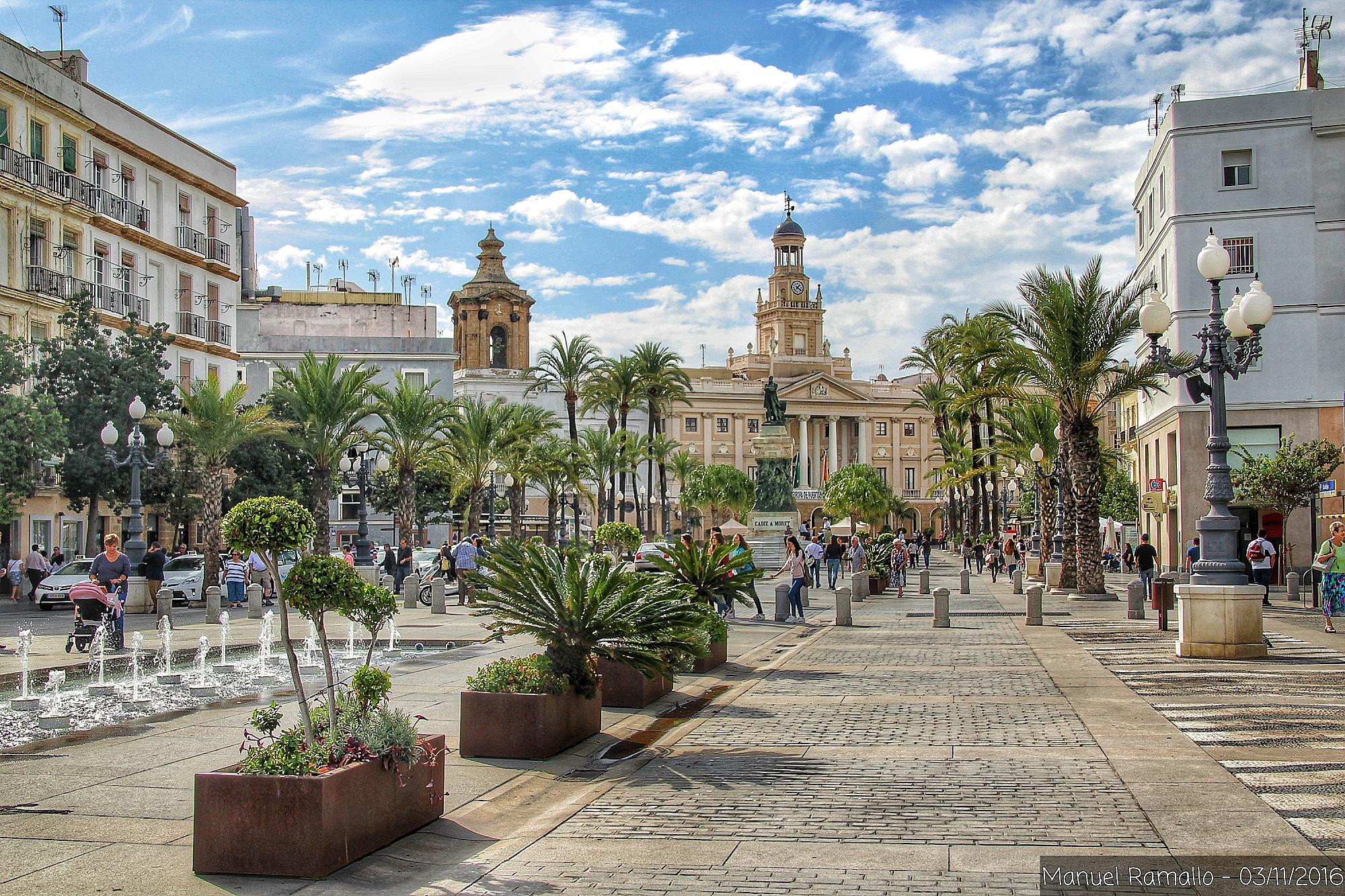 cadiz-ayuntamiento-plaza