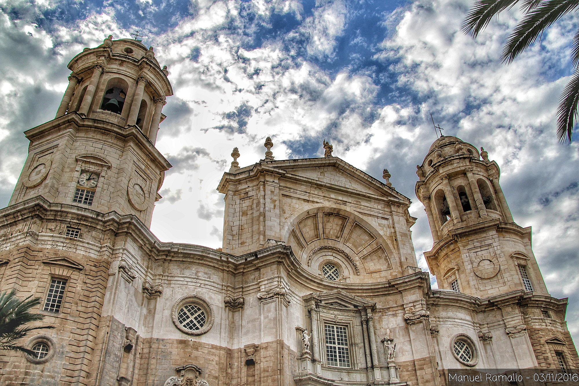 fachada-de-la-catedral-de-cadiz