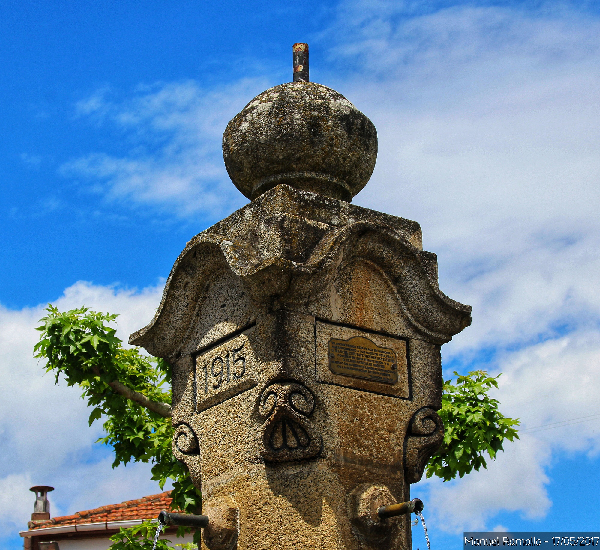 fuente-pilon-plaza-vilanova-dos-infantes-celanova-ourense