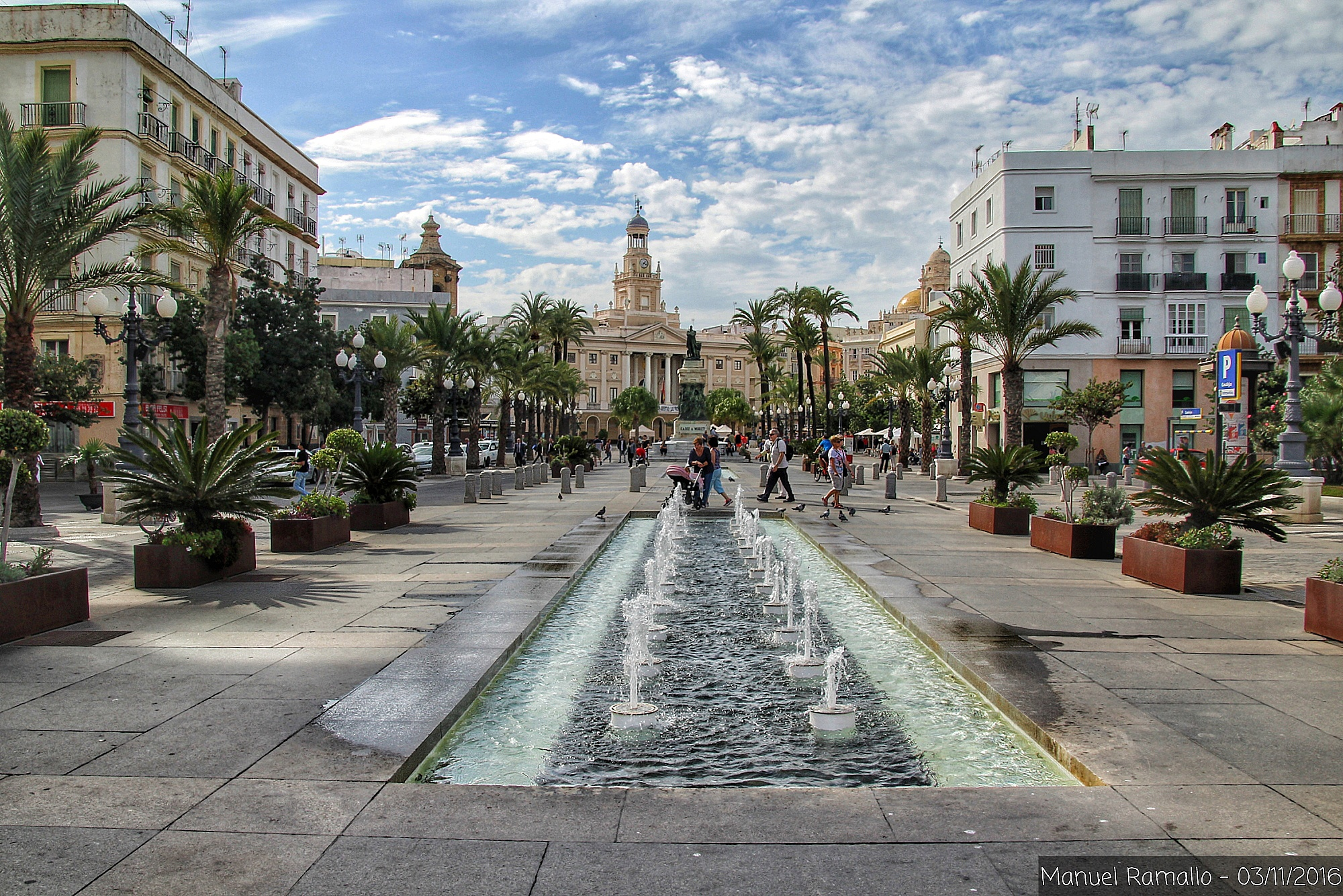 fuente-plaza-ayuntamiento-cadiz