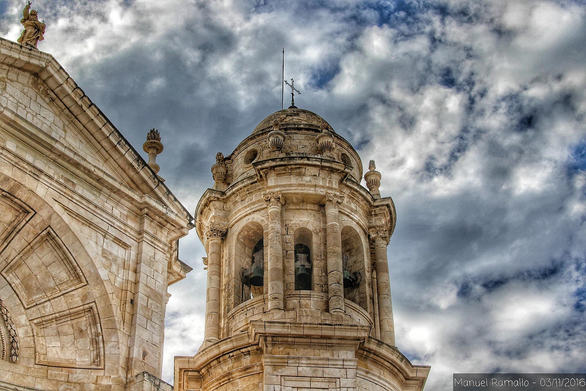 torre-campanario-de-catedral-de-cadiz