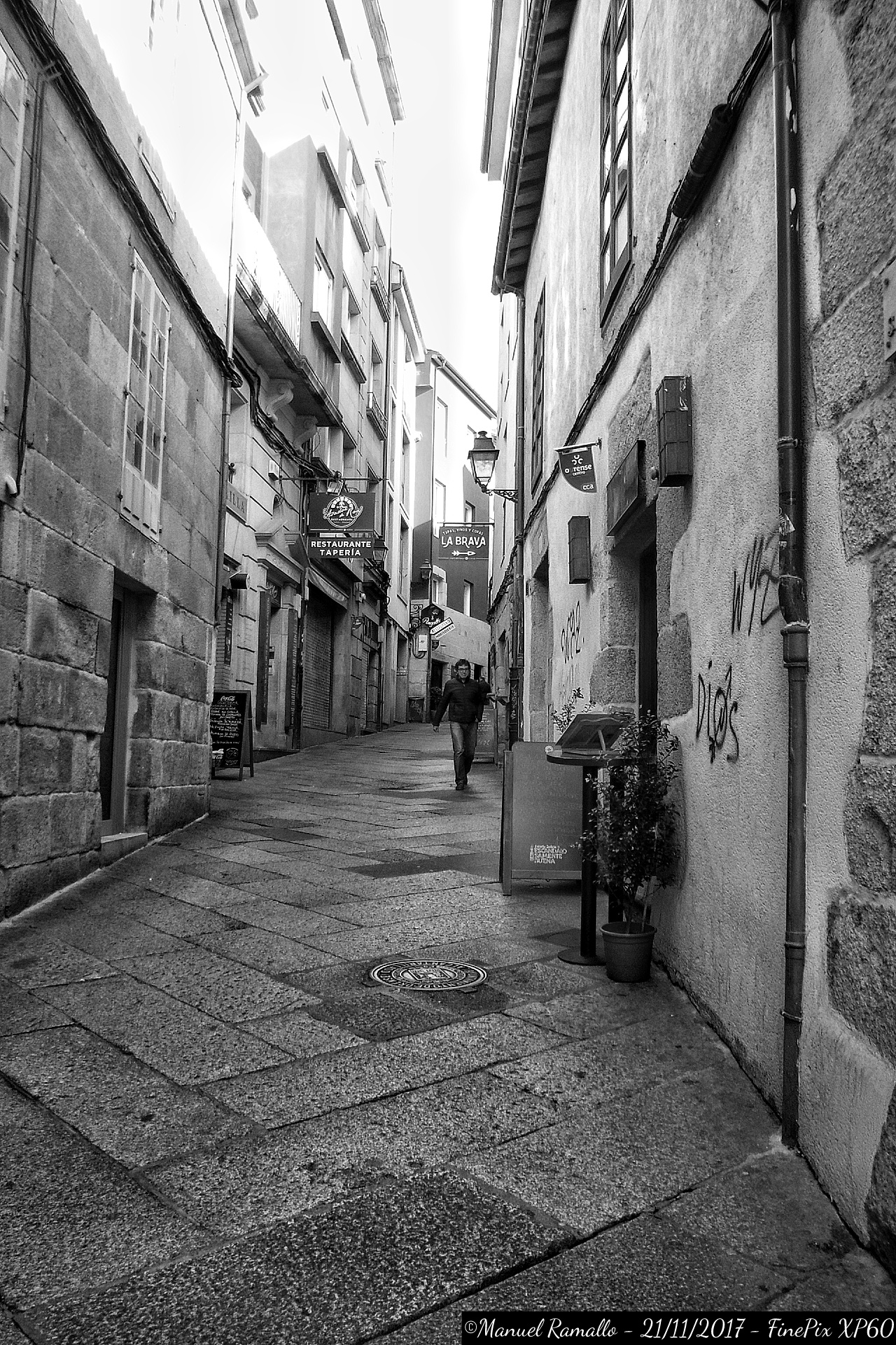 calle-san-miguel-zona-de-los-vinos-de-ourense-orense