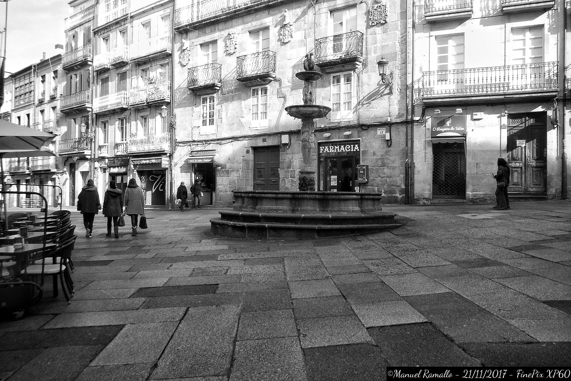 fuente-de-la-plaza-del-hierro-praza-do-ferro-ourense-orense