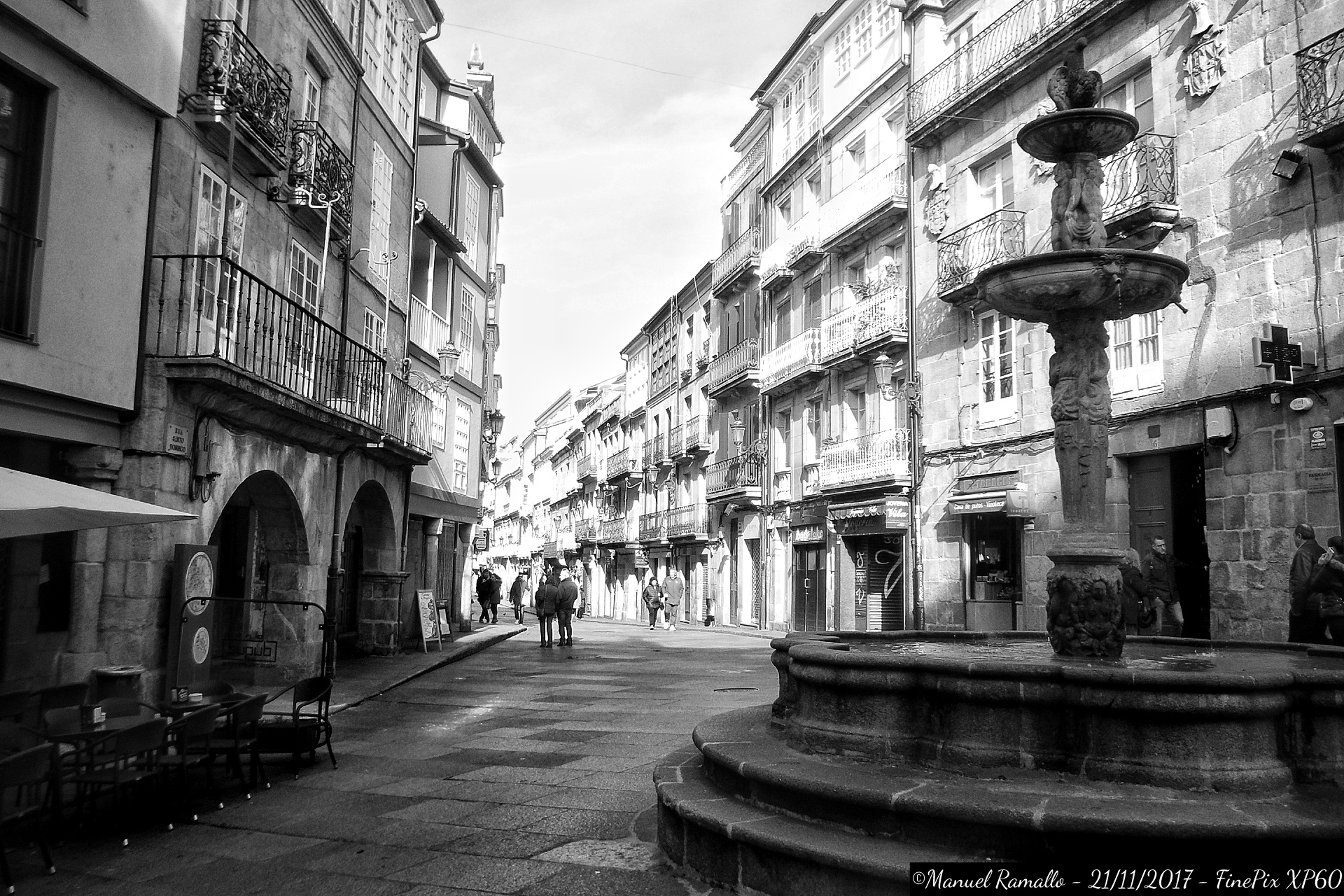 fuente-plaza-do-ferro-y-calle-santo-domingo-ourense