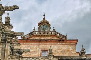gargolas-y-pequena-cupula-monasterio-celanova-ourense