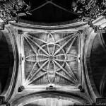 interior-catedral-de-tui-pontevedra-blanco-y-negro