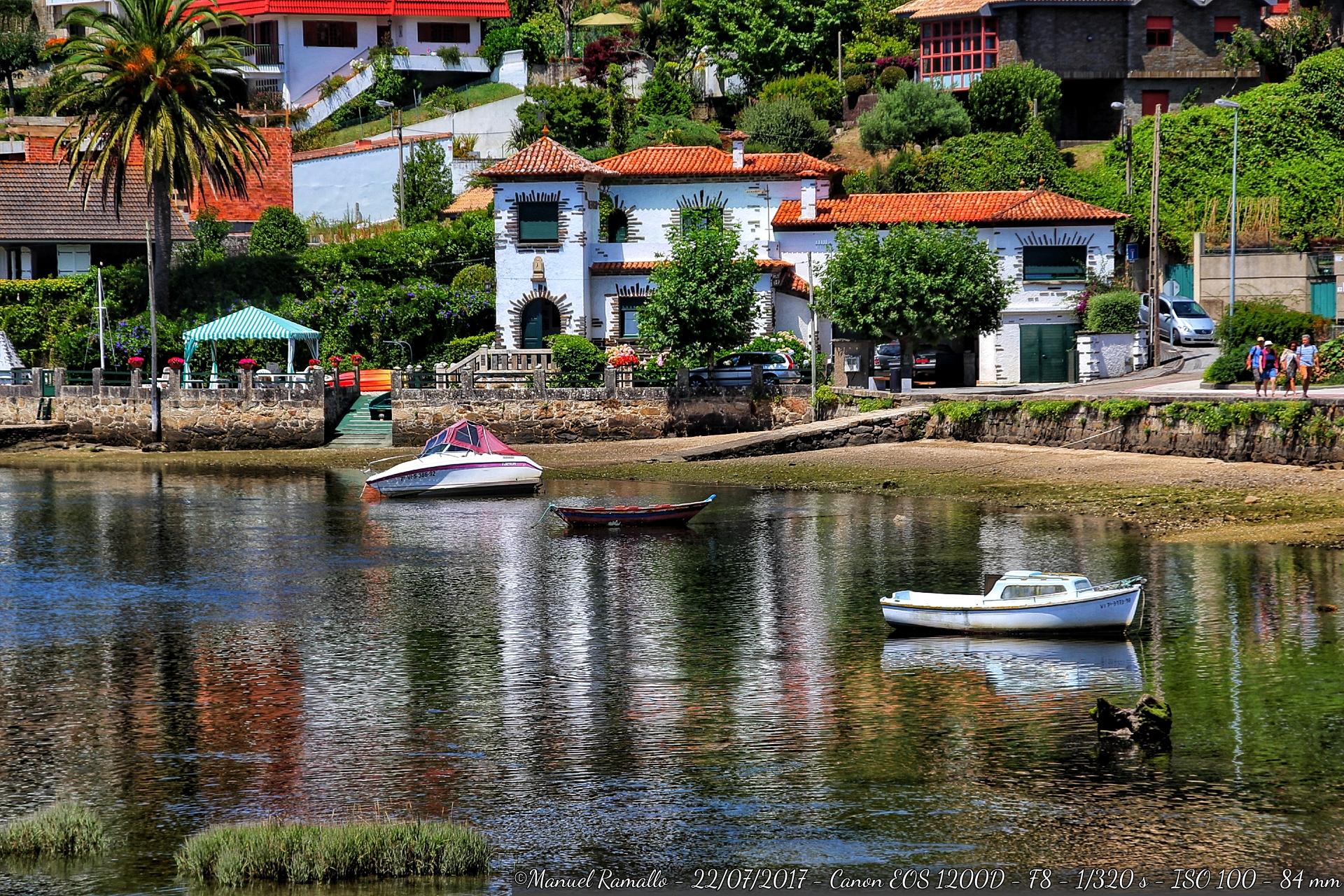 a-ramallosa-pontevedra-playa-barcas-mar