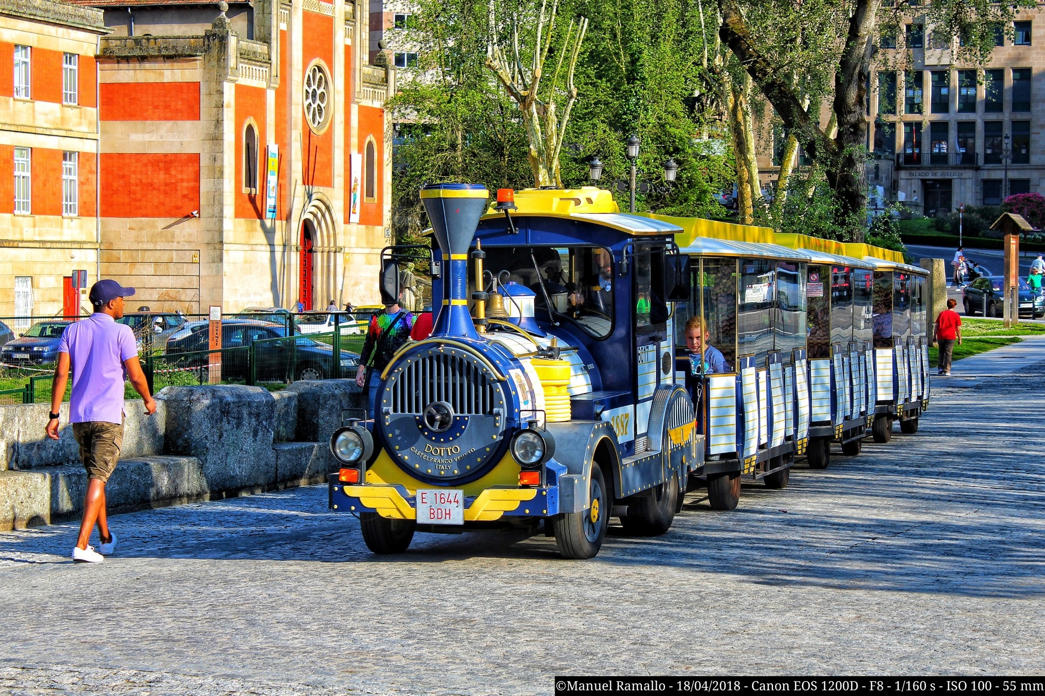 tren-bus-pozas-termales-rio-mino-ourense-puente-romano