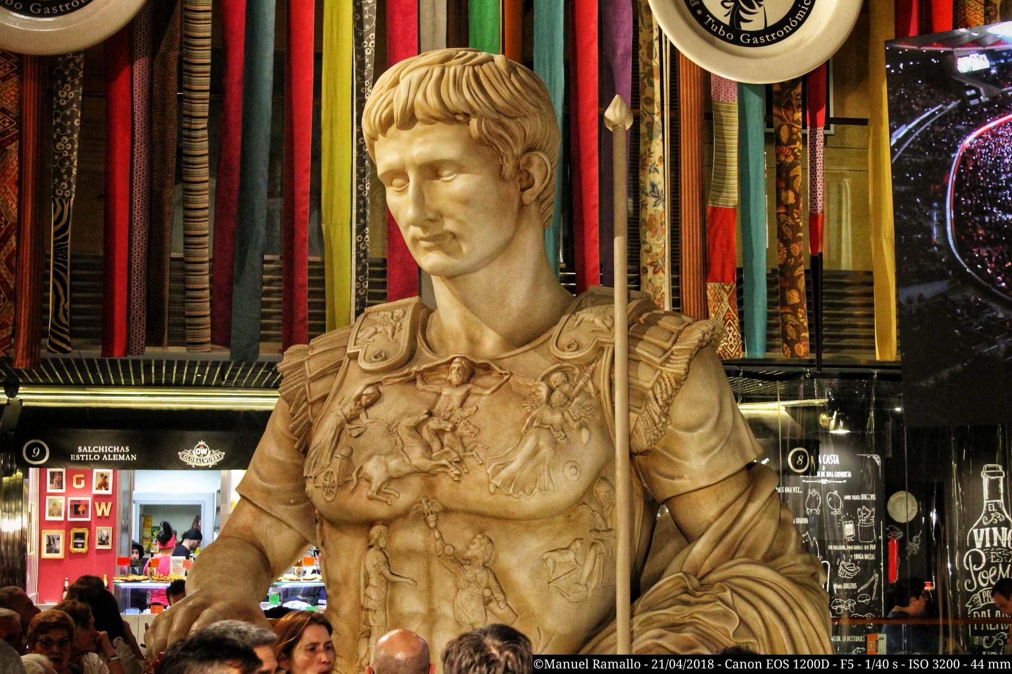 estatua-escultura-cesar-augusto-zaragoza