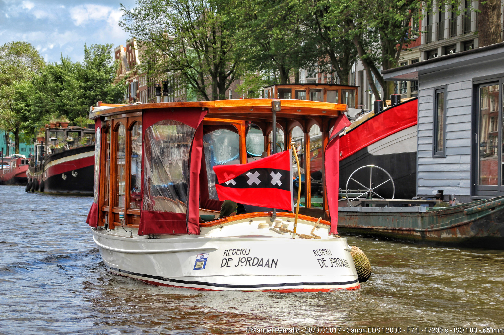 Navegando por el canal Ámsterdam