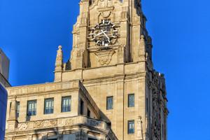 Reloj edificio Gran Vía Madrid Telefónica