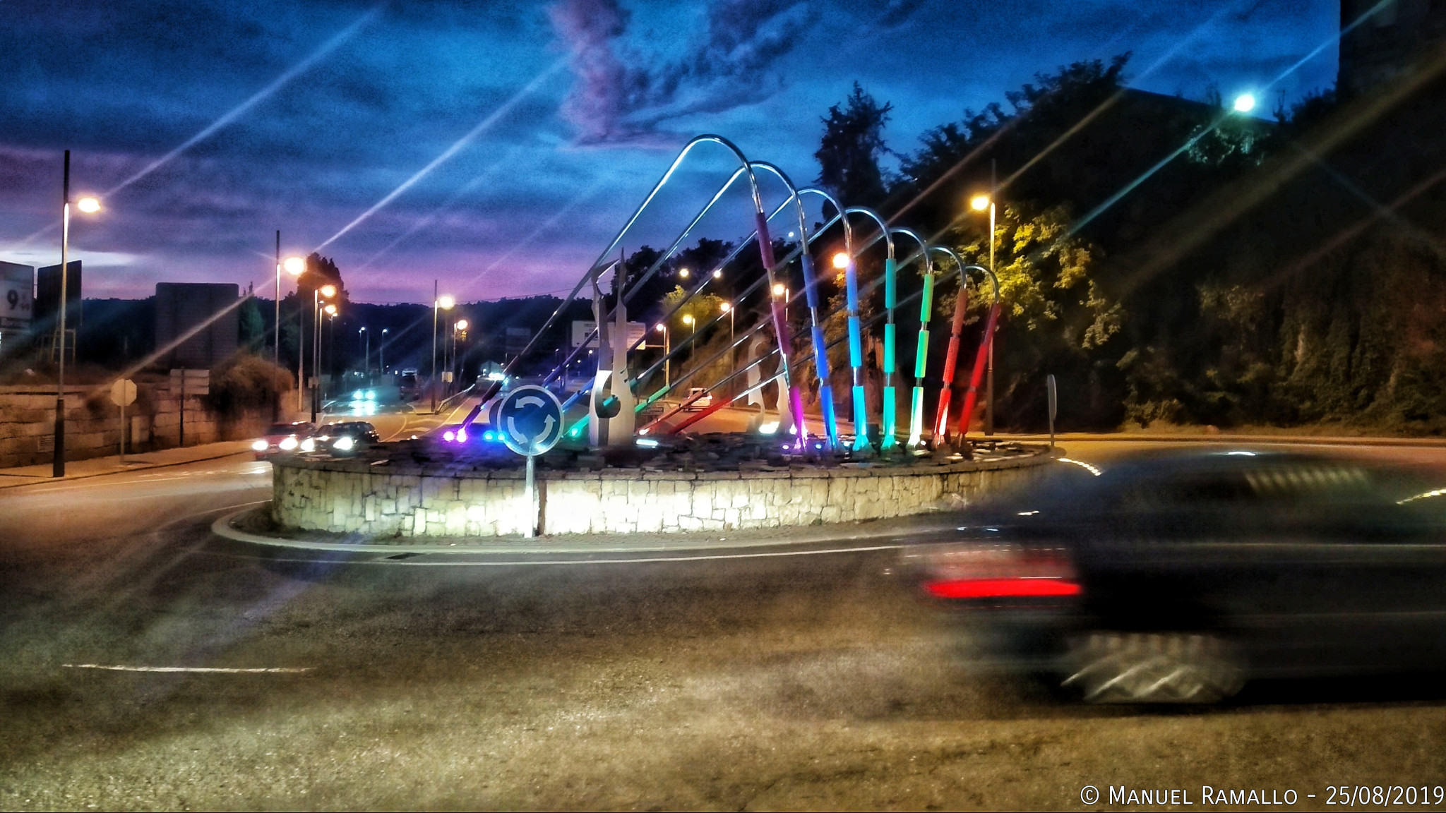 Arco iris bandera gai Ourense rotonda