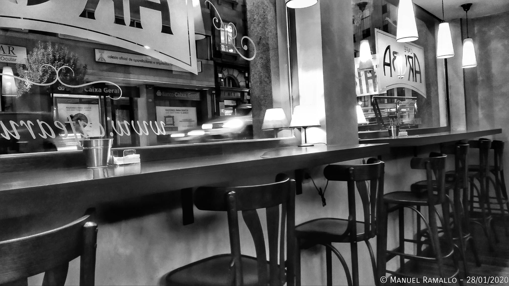 Café en día lluvioso y gris